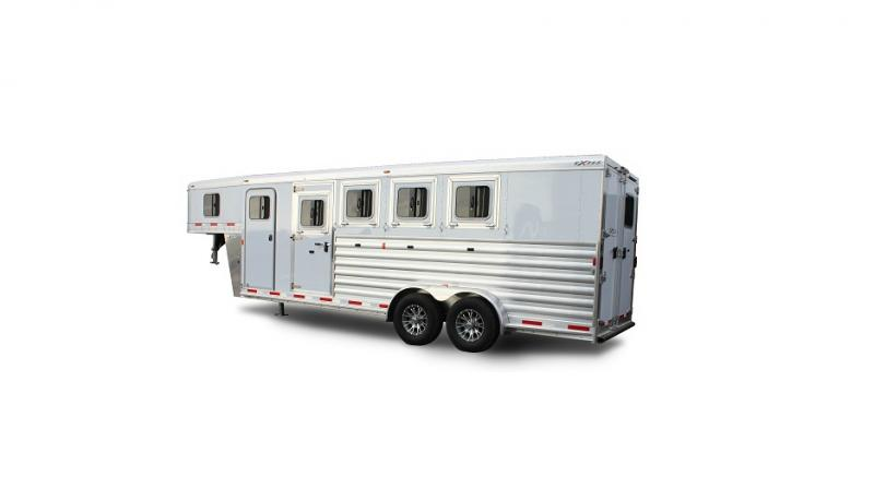 2017 Exiss 7300 GN Horse Trailer