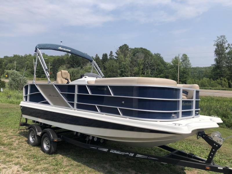 2016 Hurricane Boats 216 OB Deck Boat