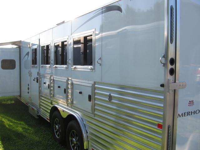 2019 Merhow Trailers 8412BC Horse Trailer