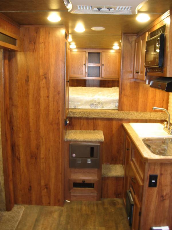 2019 Lakota C-311 Horse Trailer