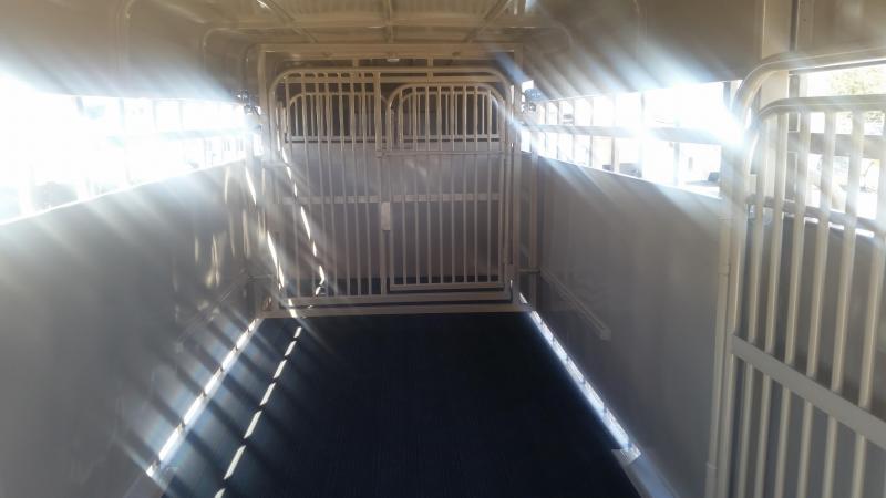 2020 Big Bend 24' FULL TOP Livestock Trailer