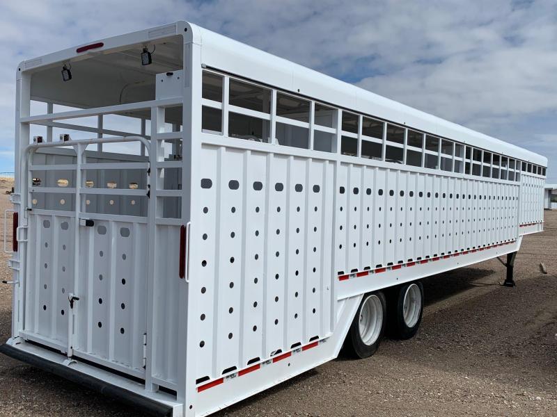 2019 Big Bend 44' Ground Load Livestock