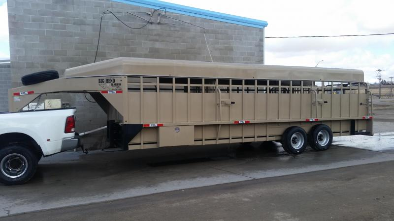 2020 Big Bend 26' FULL TOP Livestock Trailer