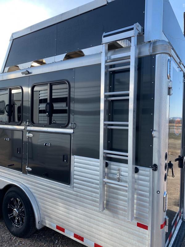 2019 Sundowner Trailers SANTA FE 4 HORSE Trailer