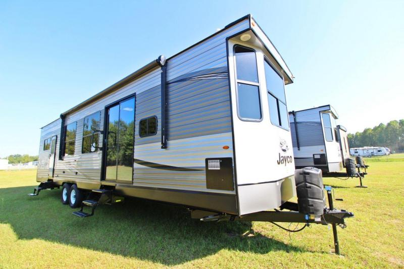 2020 Jayco Jay Flight Bungalow 40FKDS Destination Trailer RV