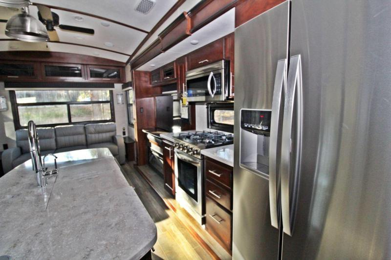2020 Jayco Pinnacle 36FBTS Fifth Wheel RV