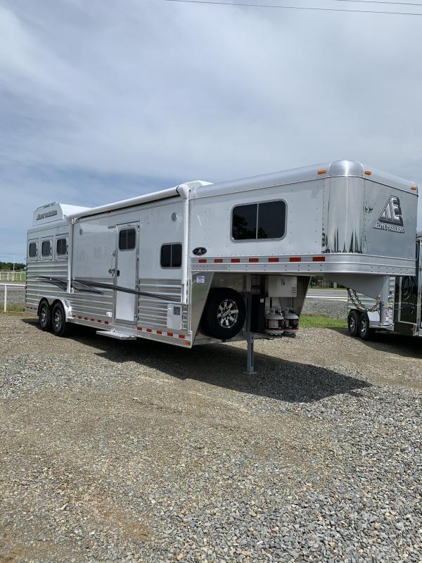 2021 Elite Trailers 3 Horse Mustang LQ Horse Trailer