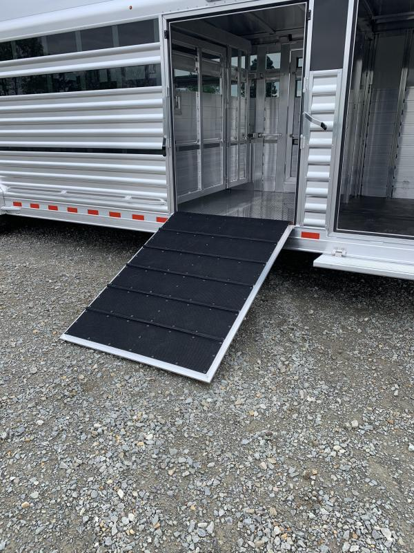 2022 Elite Trailers 8'x28' Show Cattle Stock Combo Trailer
