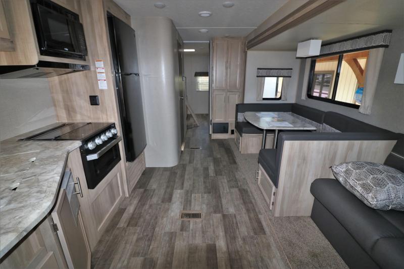2021 Forest River Inc. Catalina Legacy 323BHDSCK Travel Trailer RV