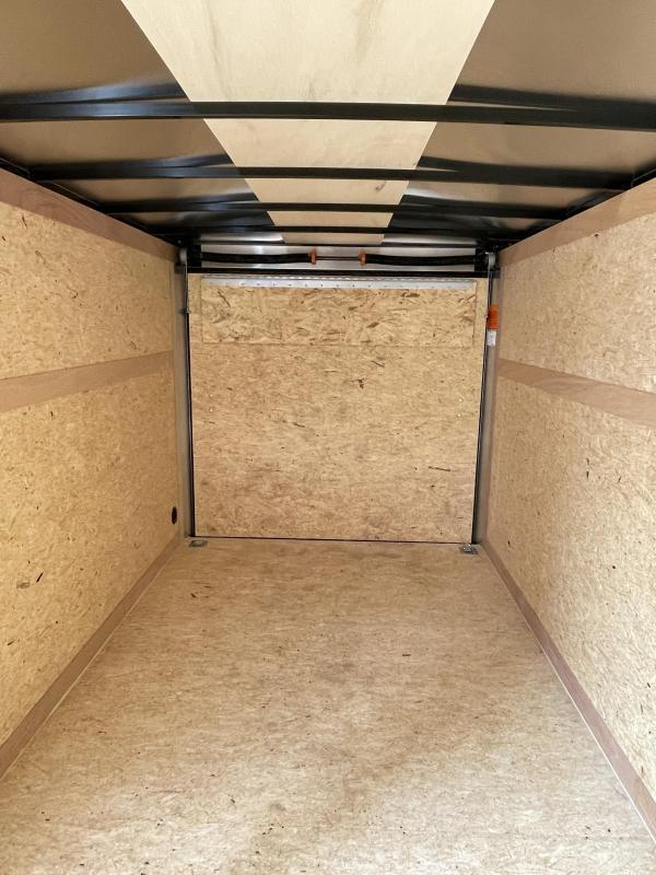 """2021 Wells Cargo 7x16' Fastrac Deluxe Enclosed Cargo Trailer 7000# GVW * SILVER EXTERIOR * RAMP DOOR * V-NOSE * .030 EXTERIOR * 6'6"""" HEIGHT * TUBE STUDS * 3/8"""" WALLS * 1 PC ROOF * 16"""" O.C. WALLS * BULLET LED'S"""