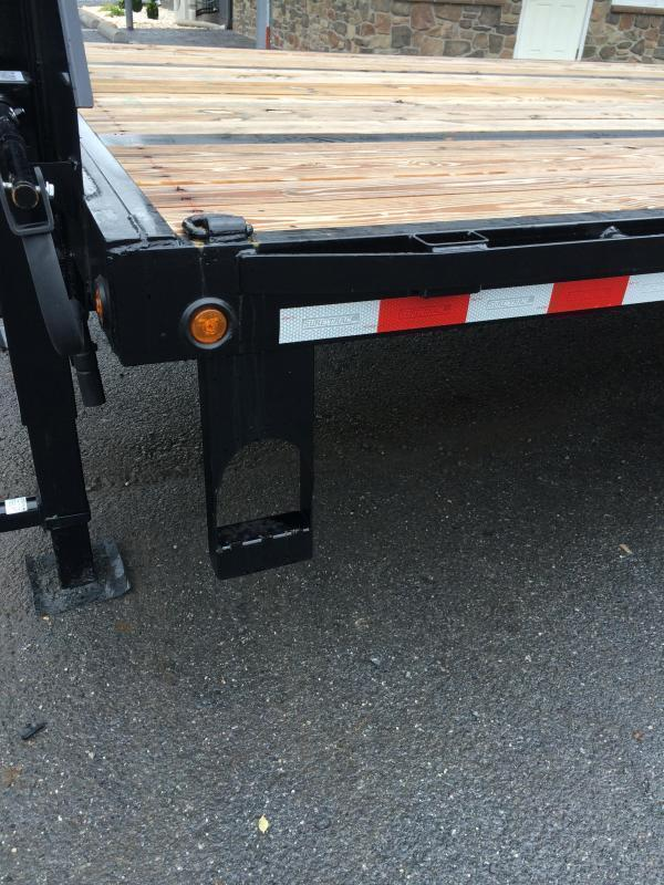 "2020 Sure-Trac 102x32' Gooseneck Beavertail Deckover Trailer 22500# GVW * FULL WIDTH RAMPS (STAND UP OR FLIPOVER) * DEXTER AXLES * 12"" I-BEAM * PIERCED FRAME * RUBRAIL/STAKE POCKETS/PIPE SPOOLS/10 D-RINGS * CROSS TRAC BRACING * HD BEAVERTAIL"