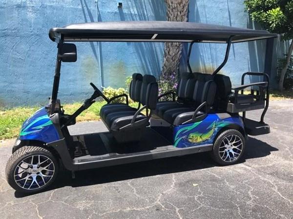 CUSTOM E-Z-GO RXV 6 PASSENGER GOLF CAR HAS ALL THE UPGRADES