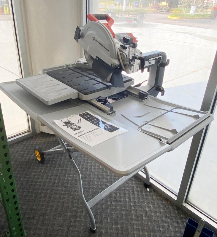 "Diamondback 10"" Tile Table Saw With Stand"