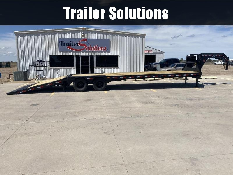 2020 PJ 36' Low Pro with Hydraulic Dove Trailer