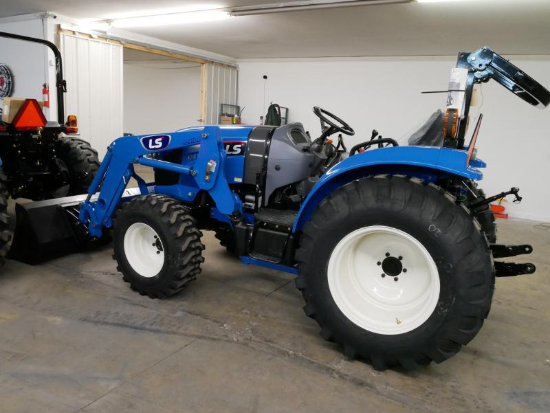 2020 LS Tractor XR4140H Tractor