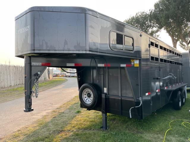 2021 Titan Trailers Classic Stock Combo Livestock Trailer
