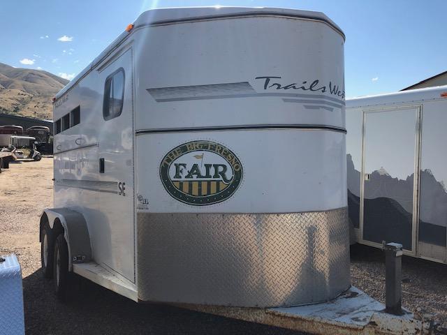 2000 Trails West Santa Fe Bumper Pull Stock Trailer