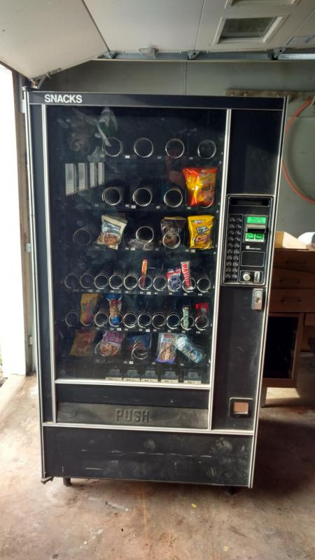 2004 AP Automatic Products 113 Vending Machine Attachment