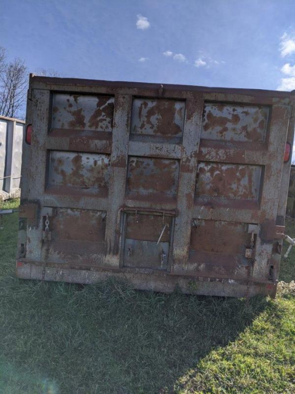 1936 TRI - AXLE Dump bed