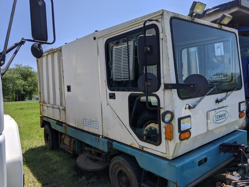 1998 Tennant Street Sweeper 830