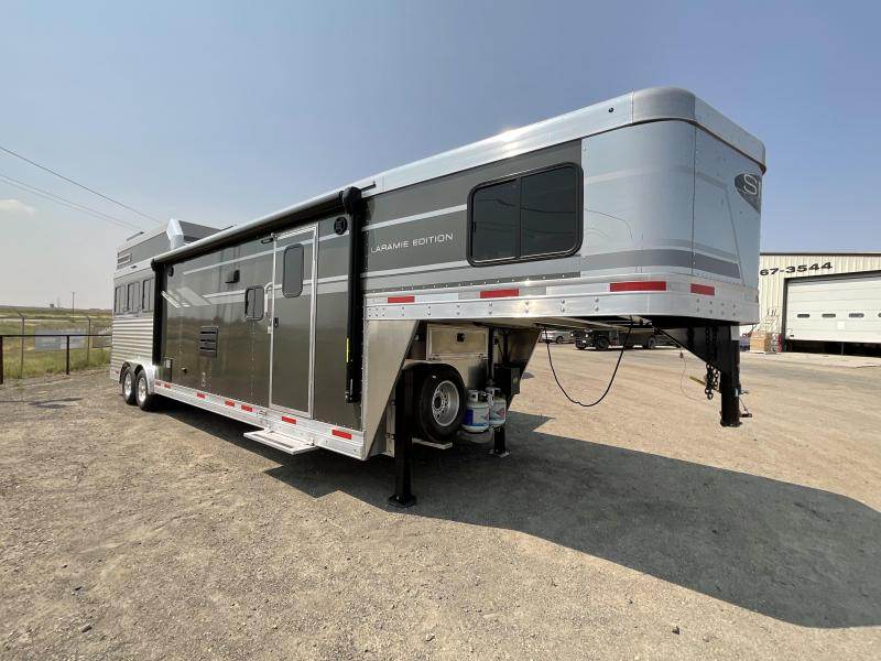 2022 SMC Horse Trailer