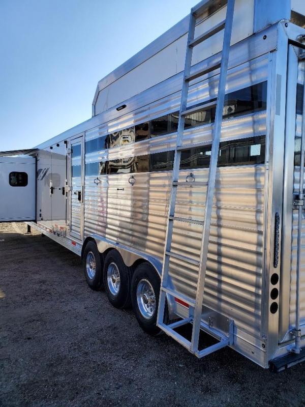 2020 SMC Horse Trailers SLE81613SSRT stock/combo Horse Trailer