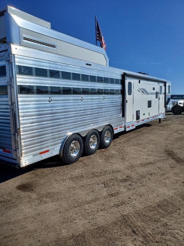 2021 SMC Horse Trailers SLE81614SSRT stock/combo Horse Trailer