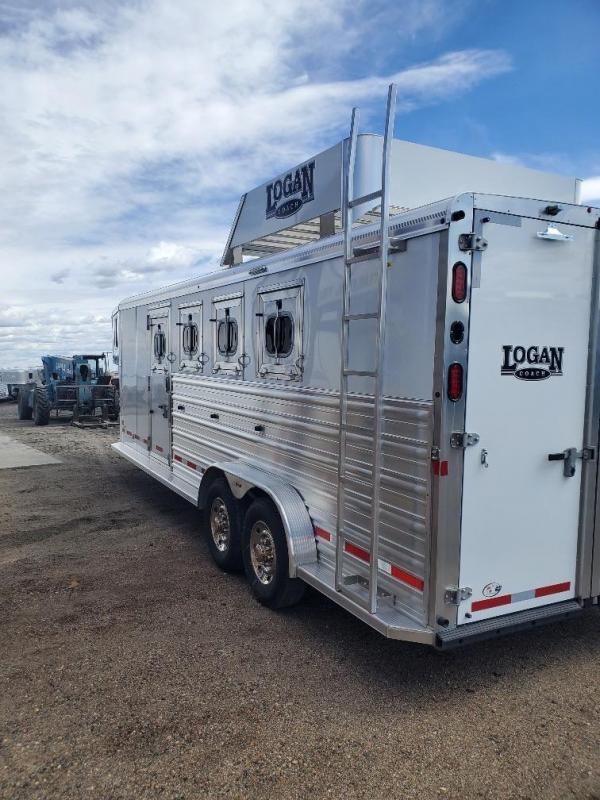 2017 Logan Coach Riot 4 Horse Horse Trailer