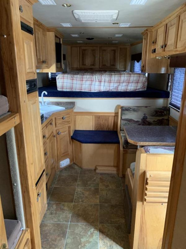 2004 Hart Trailers 12FT SHORT WALL BUNK BED 4 Horse Trailer