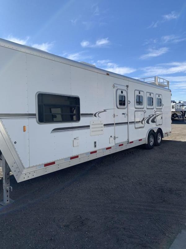 2004 Exiss Trailers 4 horse Horse Trailer