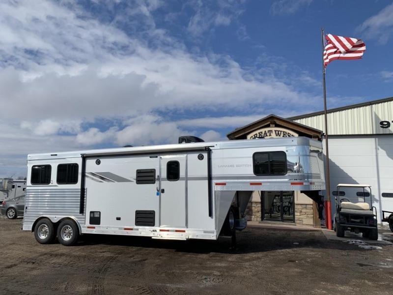 2021 SMC 2 Horse 9' LQ Trailer SL829DR Horse Trailer