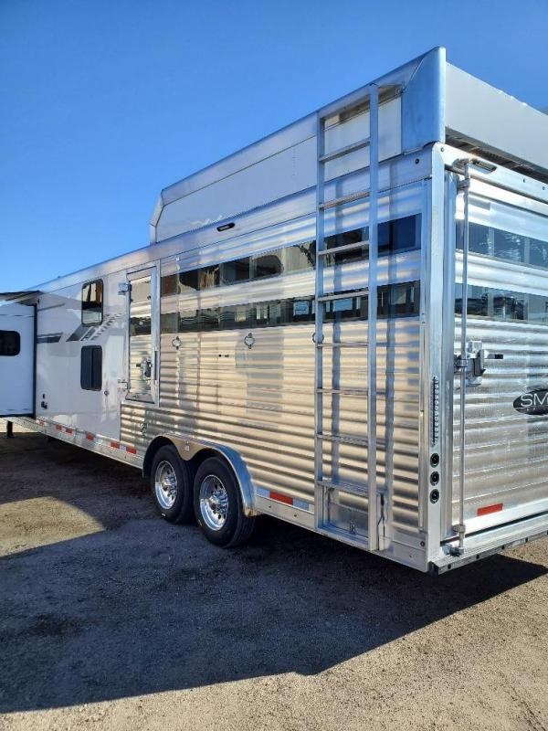 2021 SMC SLE8413SSR Stock Combo Bunk Bed Horse Trailer