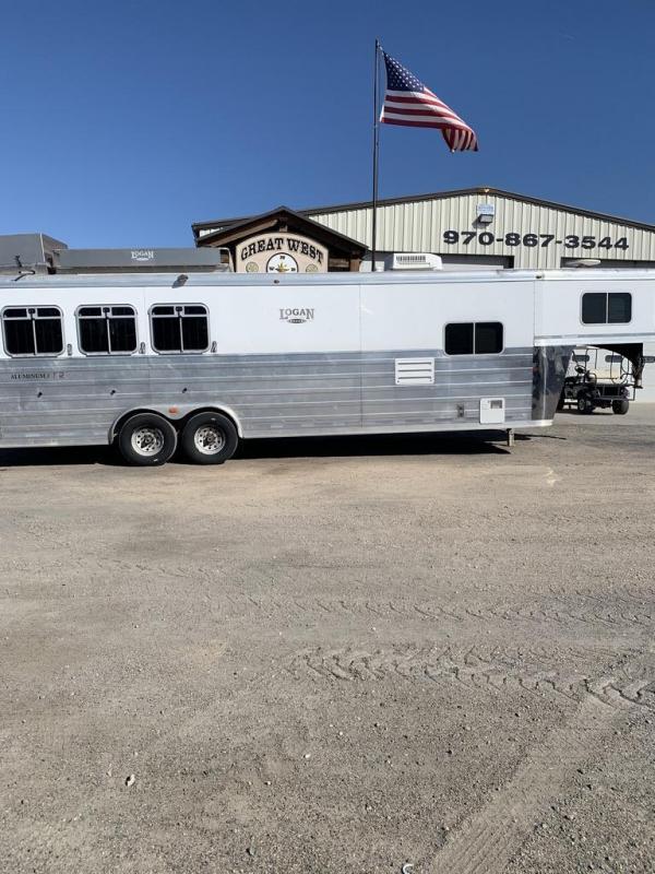 2008 Logan Coach 12' SW 3 Horse Trailer