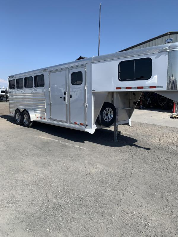 2018 Cimarron Trailers Mid Tack 4H Norstar Horse Trailer