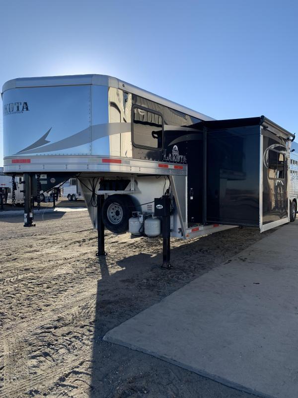 2017 Lakota STOCK COMBO Horse Trailer