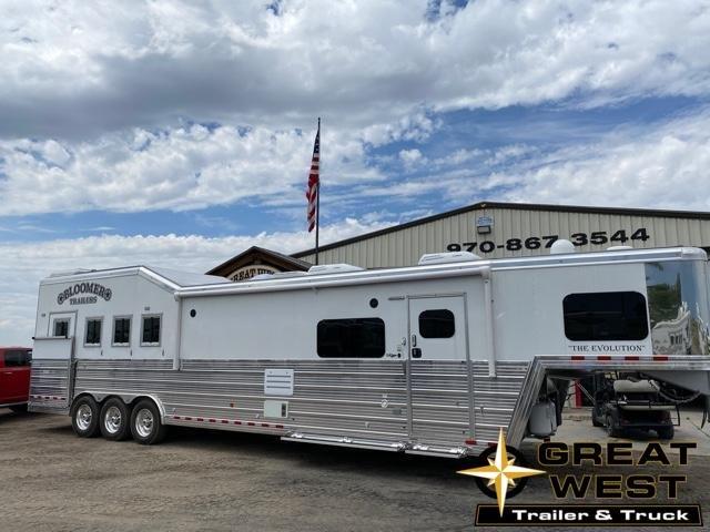 """2021 Bloomer 17'9"""" SW 4H Side Load Horse Trailer"""