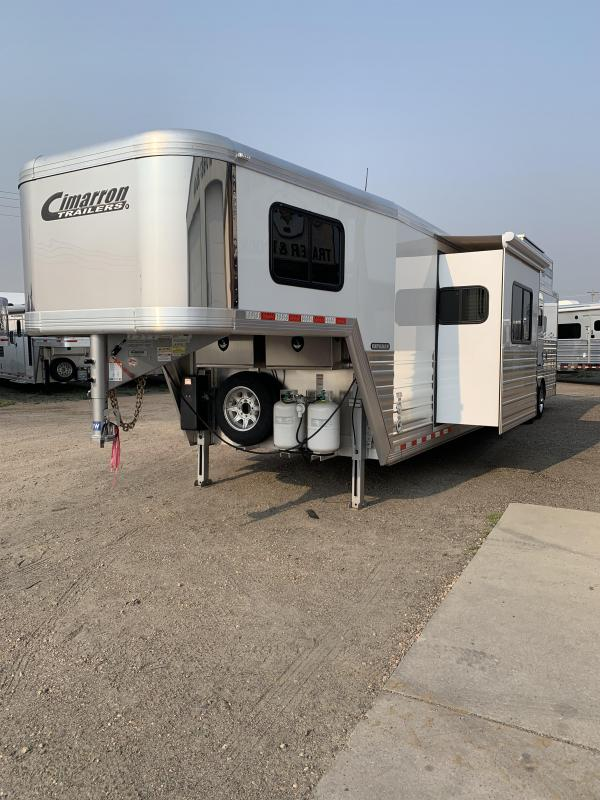 2020 Cimarron Trailers Norstar 4H 14' Living Quarters side load Horse Trailer