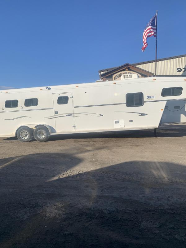 2005 Trails West Manufacturing 3 Horse 8' short wall Horse Trailer