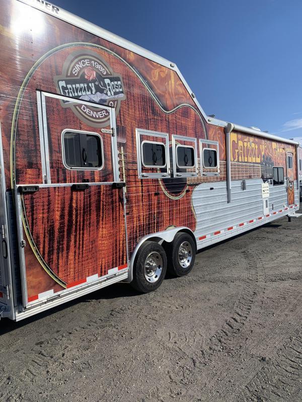 2015 Sooner 4 Horse Horse Trailer