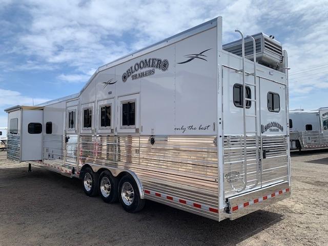2019 Bloomer Trailer Manufacturing Horse Trailer