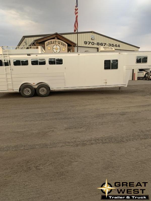 2008 Platinum Coach 8'SW LQ 4 Horse Trailer