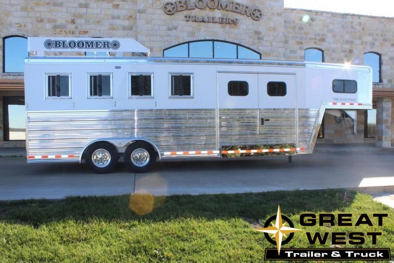 2020 Bloomer Trainers pkg 4 Horse Trailer