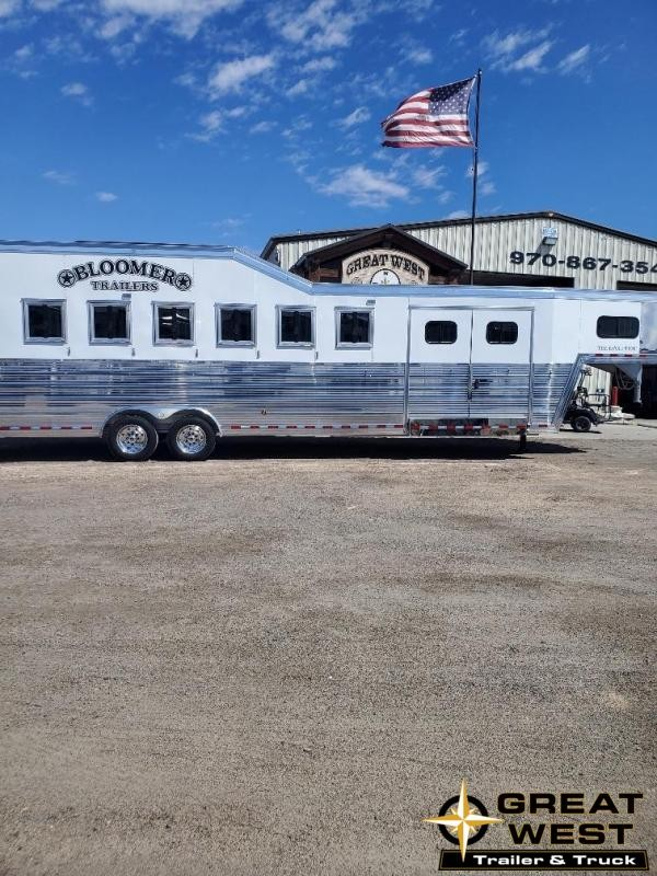 2020 Bloomer Trainers pkg 6 Horse Trailer