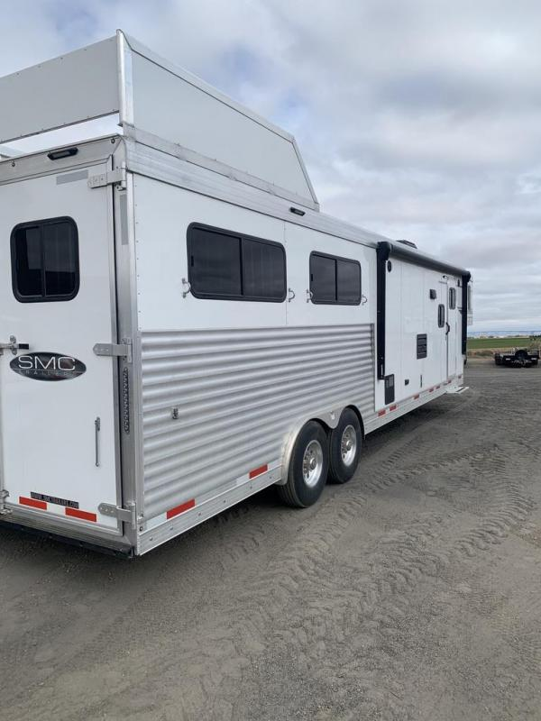 2021 SMC Horse Trailers 13ft SW Slide Out 4 Horse Trailer