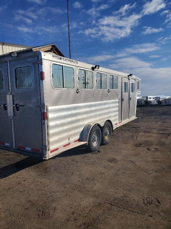 2013 Featherlite 4 horse Horse Trailer