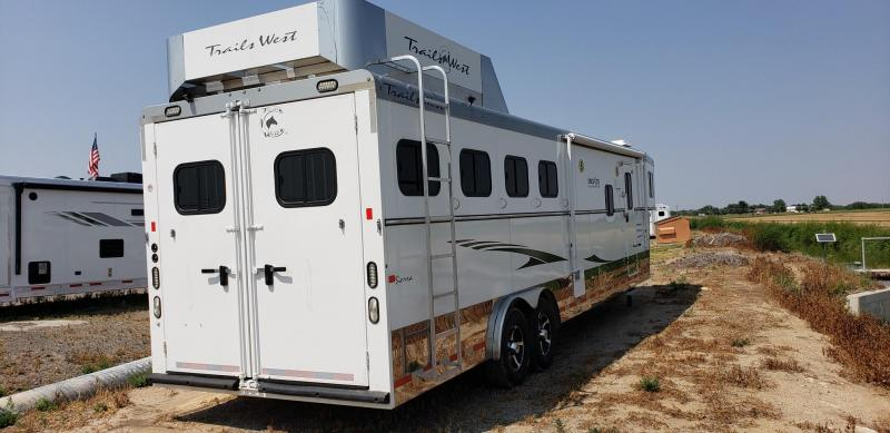 2014 Trails West Special Lite Slide Out 4Horse Horse Trailer