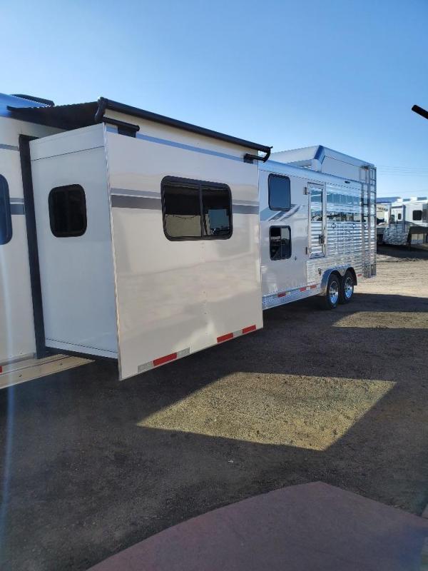 2020 SMC SLE8413SSR Stock Combo Bunk Bed Horse Trailer