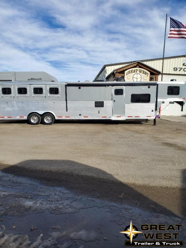 2019 Lakota C8415 Slide Out 4 Horse Trailer