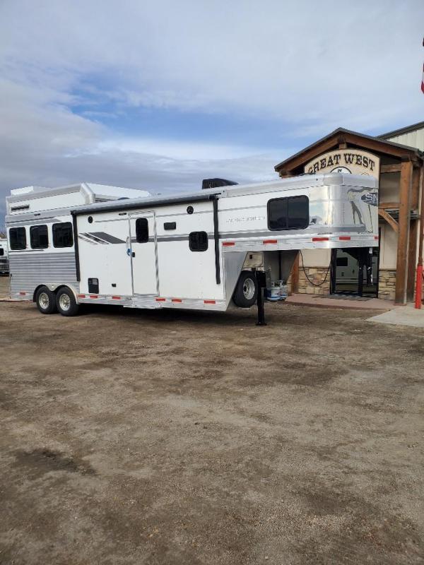 2020 SMC  Laramie 10' Short wall 3 Horse Trailer