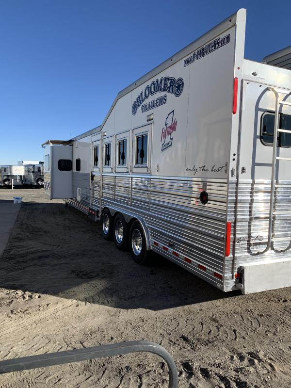 2014 Bloomer 4 Horse PC Load Horse Trailer